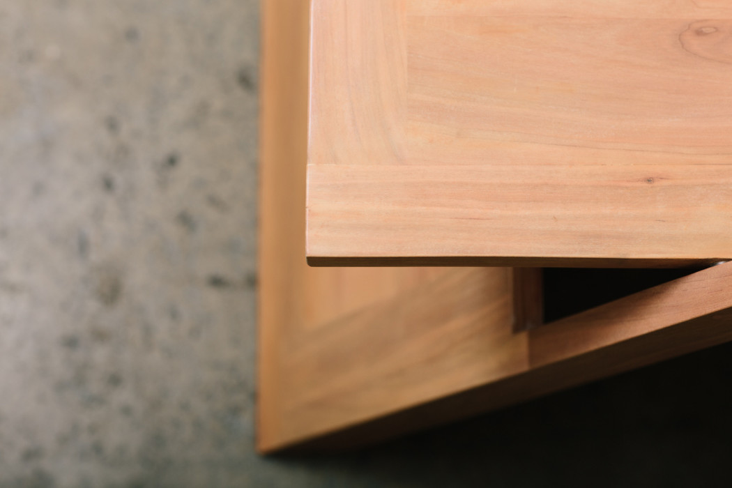 bellwether_chair_cherry_07